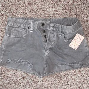 *NEW* Free people high wasted denim shorts size 29